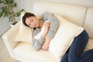 ソファでうたた寝