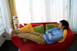ソファーで仮眠